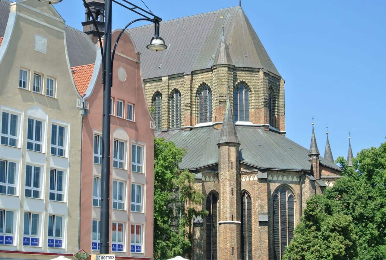 Den smukke gotiske Marienkirche - Rostock, Tyskland