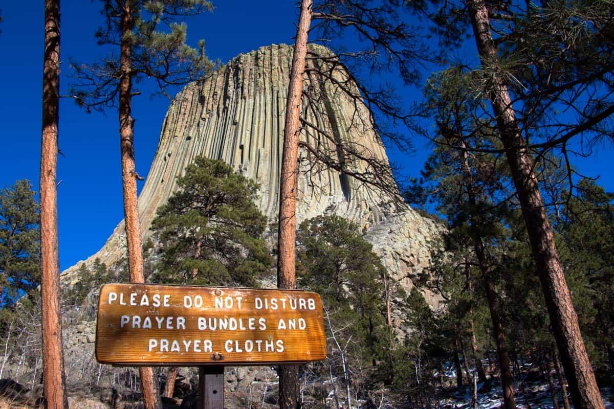 Devils Tower er klippen fra filmen Nærkontakt af tredje grad – Wyoming, USA
