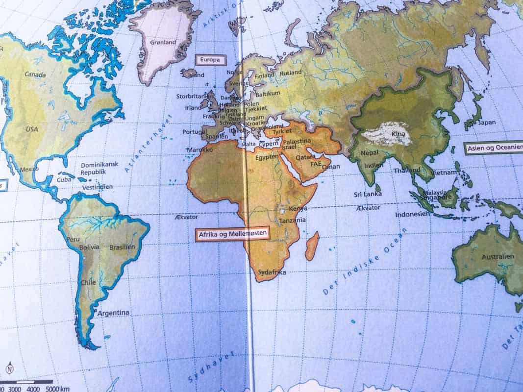 Boganmeldelse, Turen går til bøgernes Verden