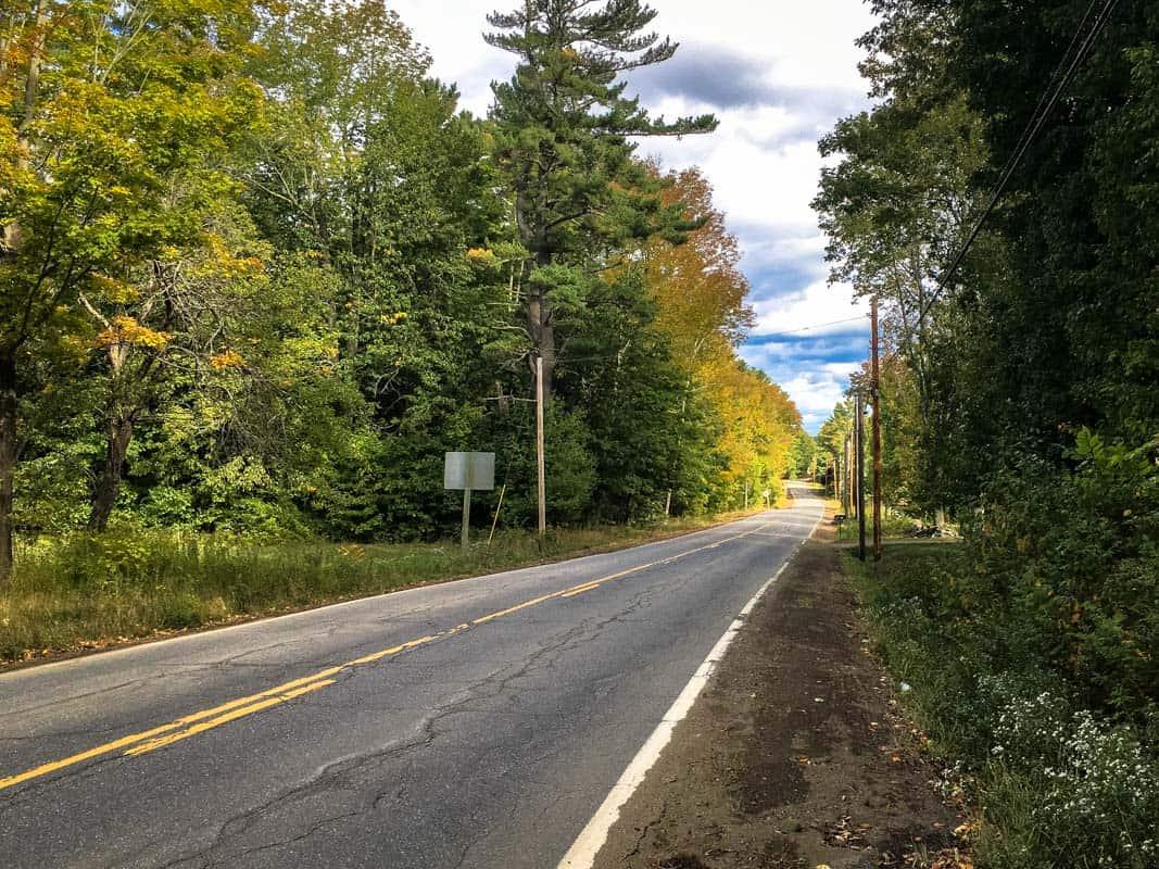 En køretur i Maines baghave – New England, USA
