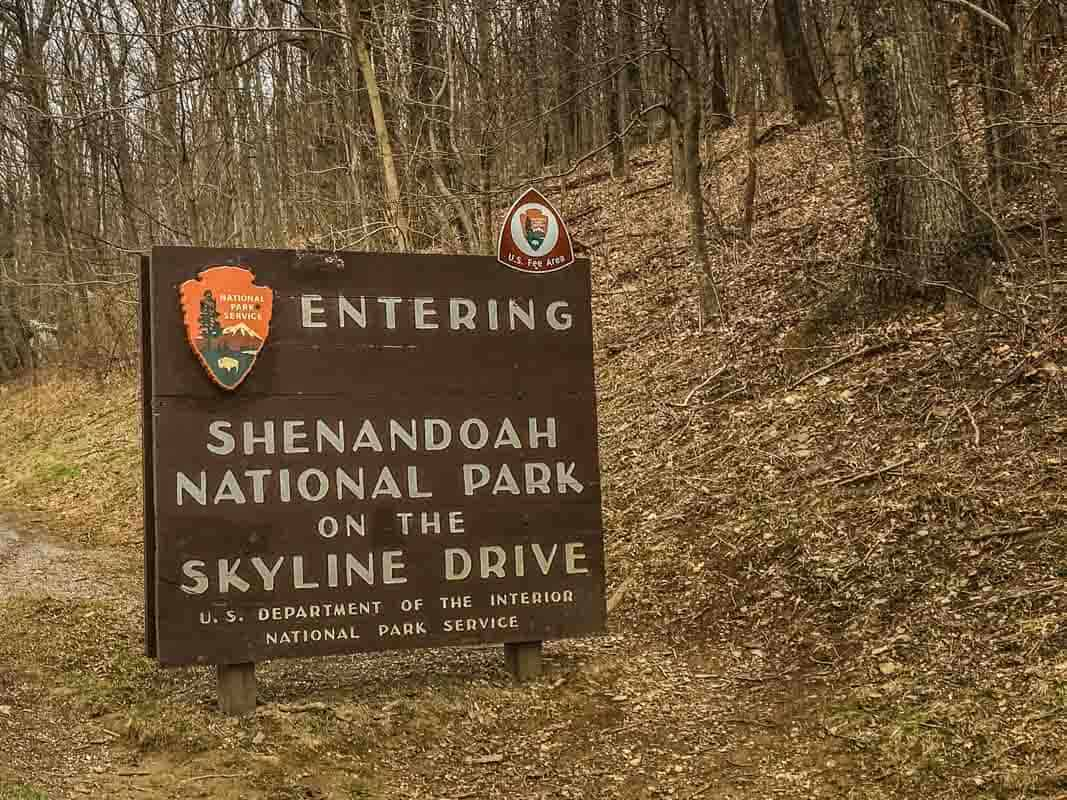 Shenandoah National Park er en køretur i skyerne - Virginia, USA