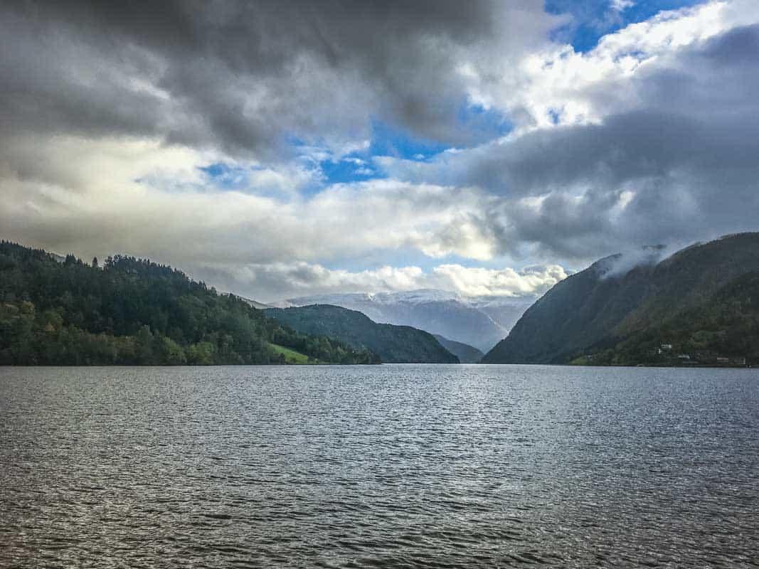 En dag med oplevelser ved Hardangerfjorden Norge