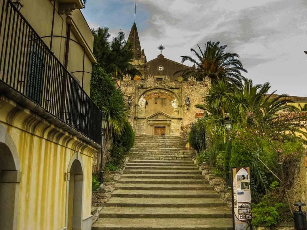 Forza d'Agrò en autentisk by – Sicilien, Italien