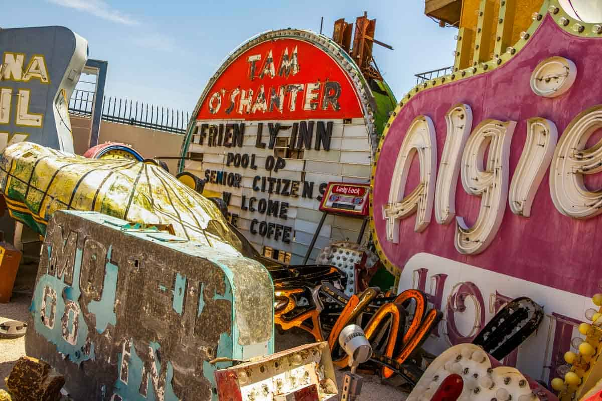 The Neon Museum med de gamle skilte - Las Vegas, USA
