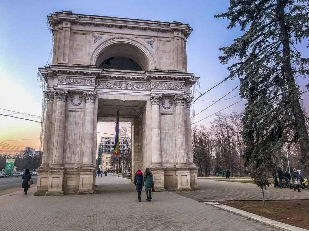 12 Postkort fra Moldova