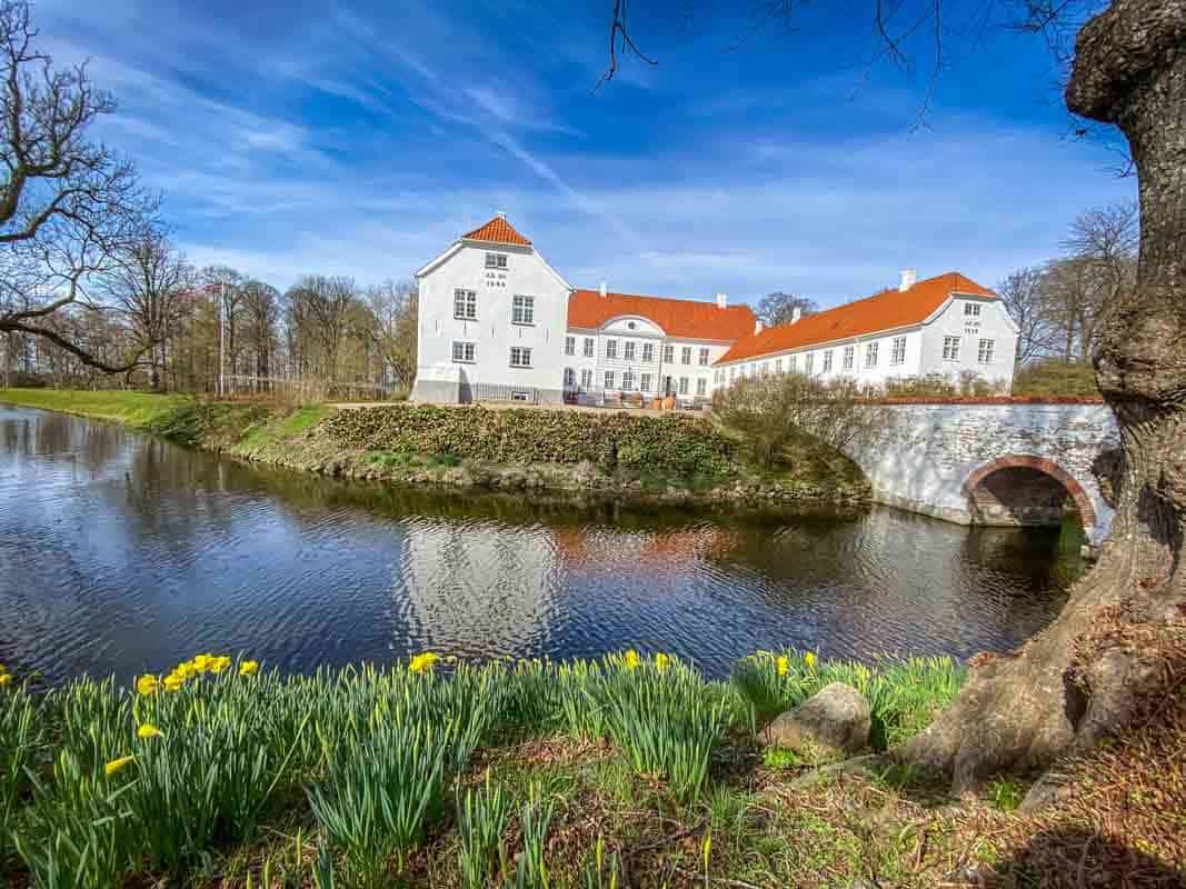 Anmeldelse af Kragerup Gods – Ruds-Vedby, Danmark